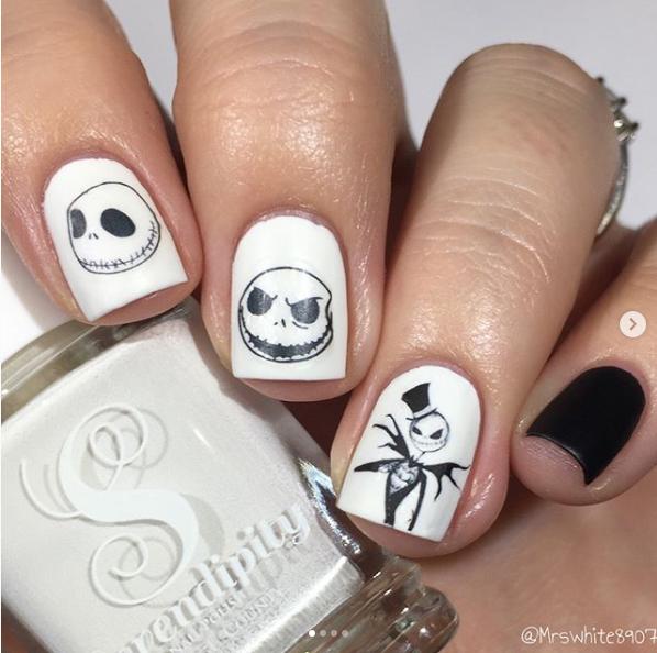 Easy-halloween-nail-art-ideas-23